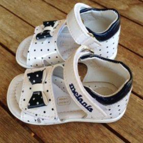 Melania: i sandaletti di Bianca Zoe