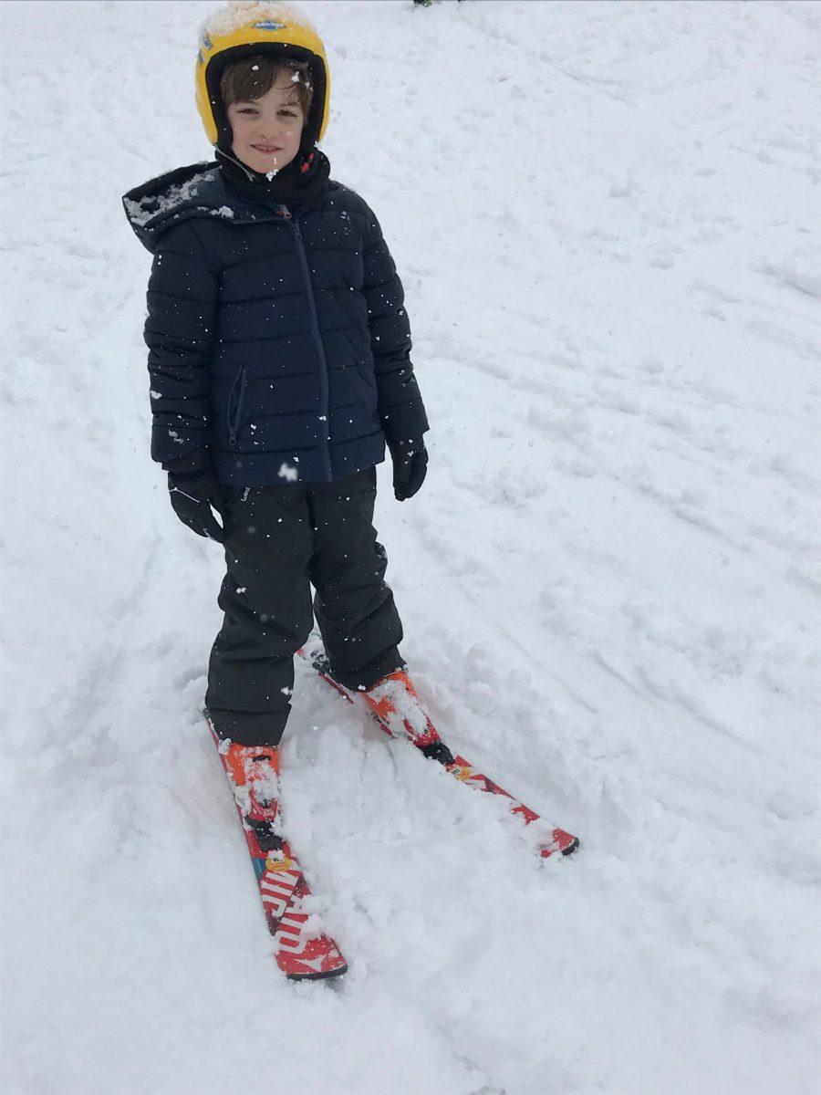 Bimbi sugli sci con l'assicurazione Helvetia